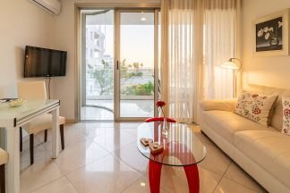 Superior suite with sea view and spa bath